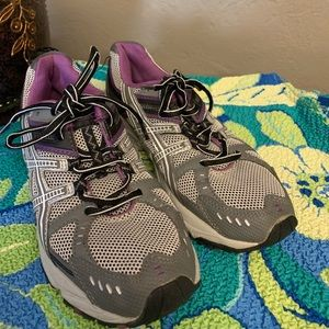 ASICS Women's Gray and Purple Running Shoes Size 7